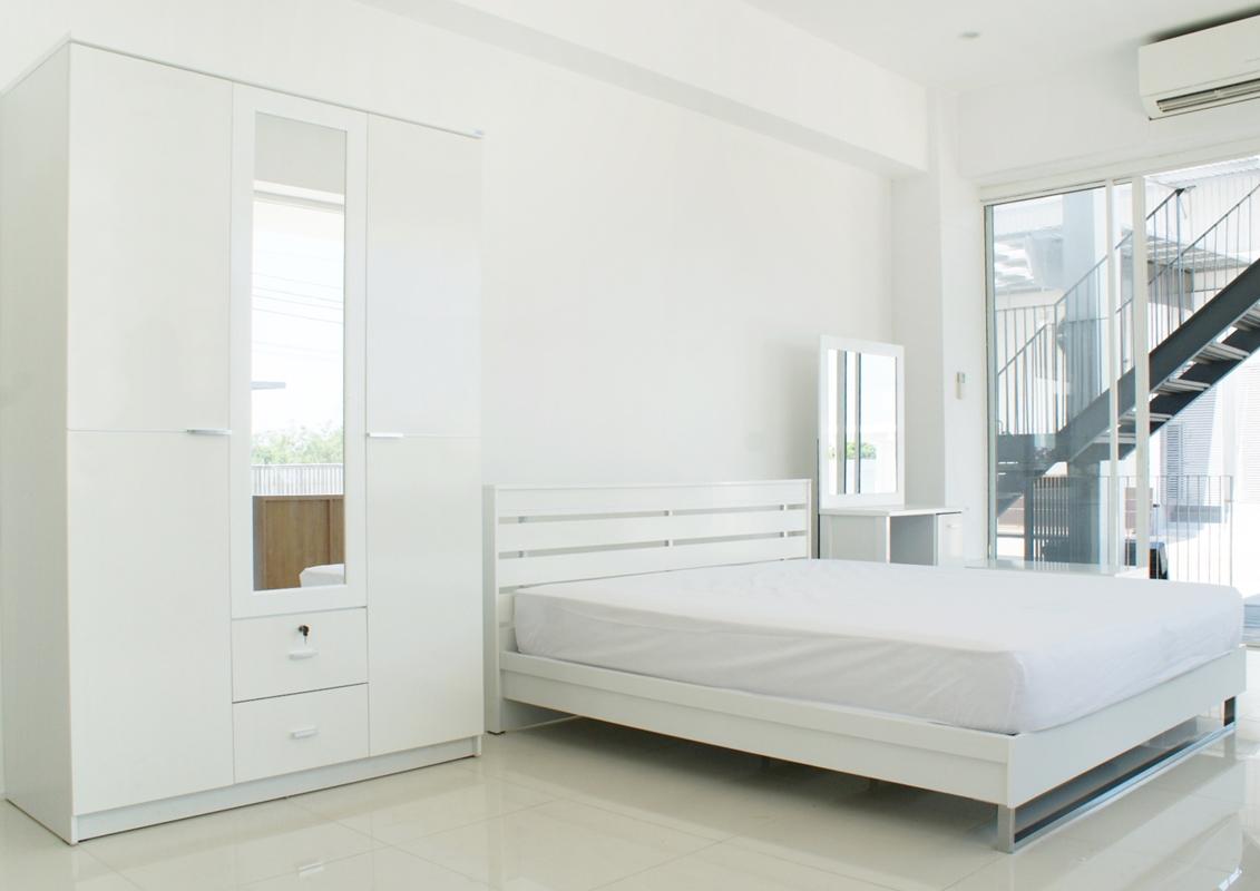 ชุดห้องนอน รุ่น basic สีขาว