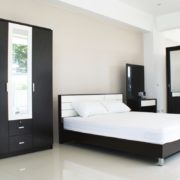 bedroom_now01_oak
